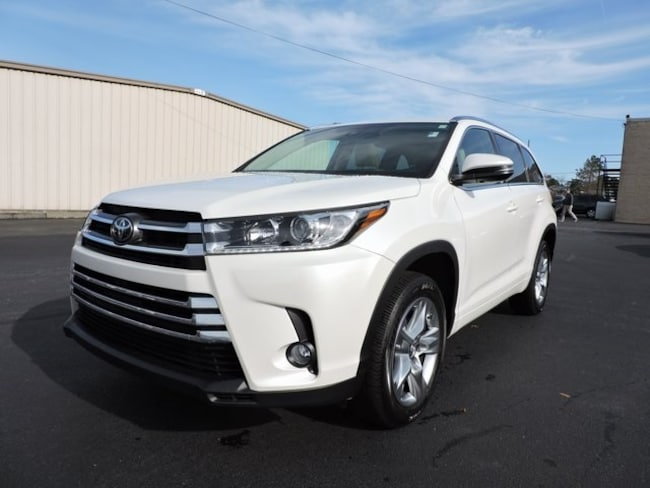 Used  2017 Toyota Highlander Limited SUV in Greenville