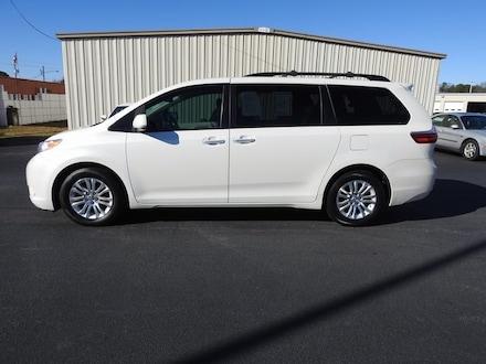 2016 Toyota Sienna XLE Premium Minivan/Van