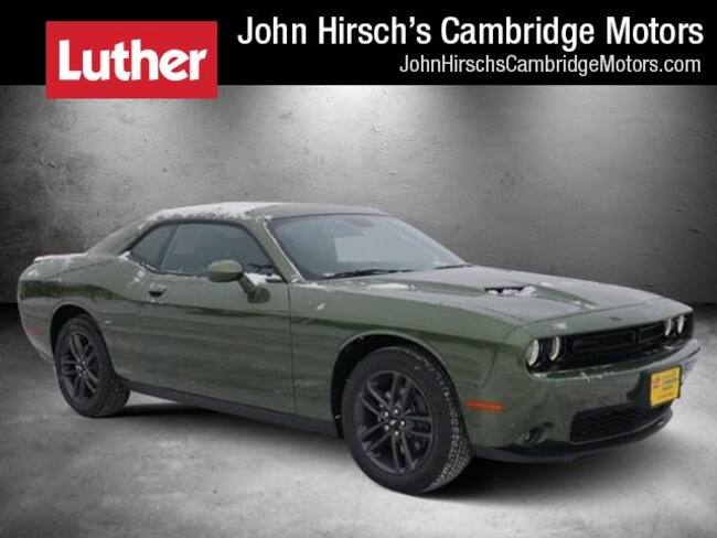 New 2019 Dodge Challenger SXT AWD Coupe in Cambridge, MN