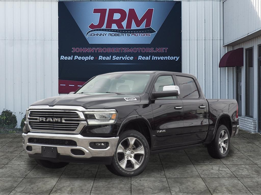 New 2019 Ram 1500 LARAMIE CREW CAB 4X4 5'7 BOX Crew Cab Wellington, Texas