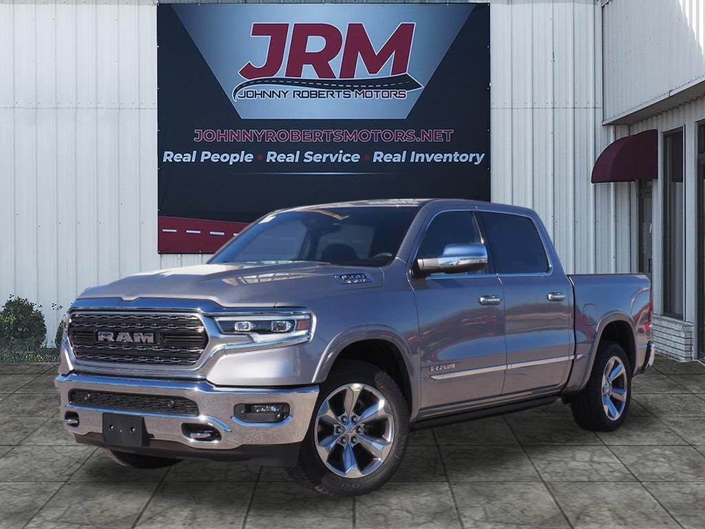 New 2019 Ram 1500 LIMITED CREW CAB 4X2 5'7 BOX Crew Cab Wellington, Texas