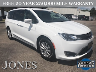 Used 2017 Chrysler Pacifica Touring-L Van in Savannah, TN