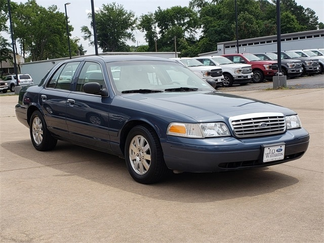 Used 2007 Ford Crown Victoria For Sale at J  O  Williams Motors