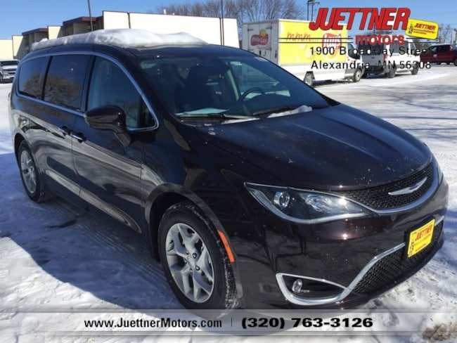 New 2019 Chrysler Pacifica TOURING PLUS Passenger Van in Alexandria, MN