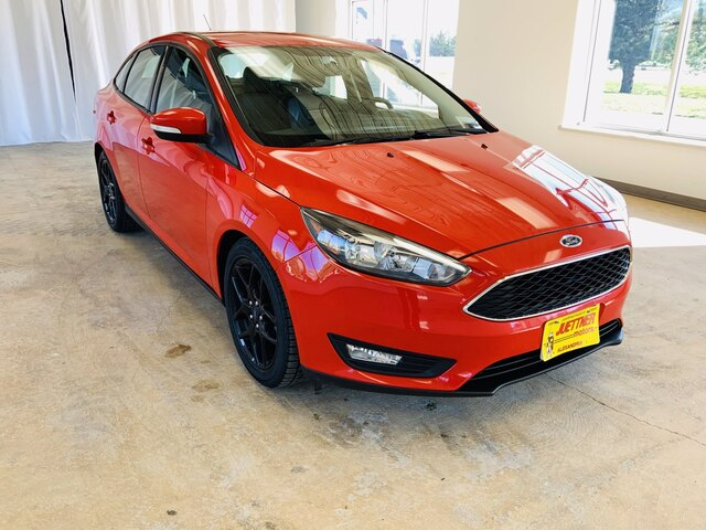 Used 2016 Ford Focus SE with VIN 1FADP3F2XGL332842 for sale in Alexandria, Minnesota