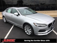 2018 Volvo S90 T6 Momentum AWD w/ Convenience Package, Bowers & W Sedan