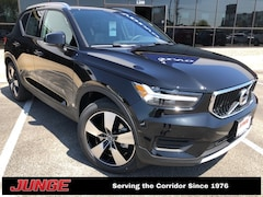 2019 Volvo XC40 T5 Momentum w/ Premium Package, Vision Package, He SUV