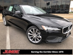 2019 Volvo S60 T5 Momentum w/ Premium Package, Navigation, Heated Sedan