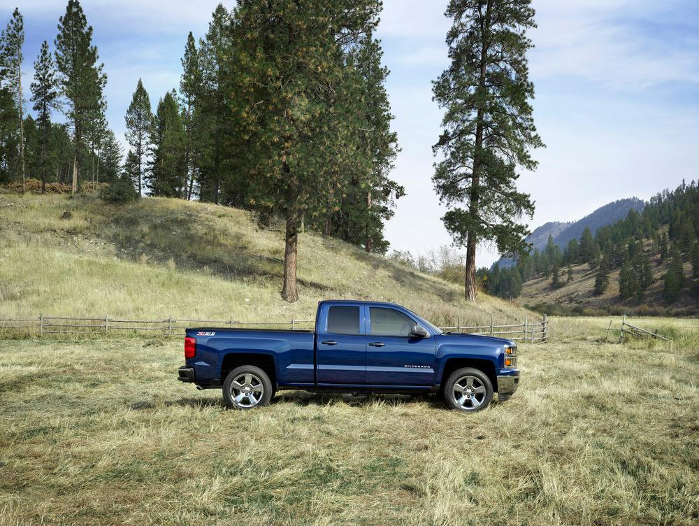 new 2014 Chevrolet Silverado 1500 is rolling into dealer showrooms