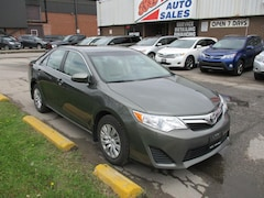 2013 Toyota Camry LE~TWO SETS OF TIRES~BLUETOOTH~BACK-UP CAM.~ Sedan