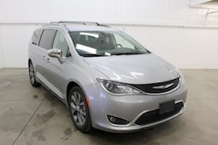 2018 Chrysler Pacifica Limited Minivan/Van