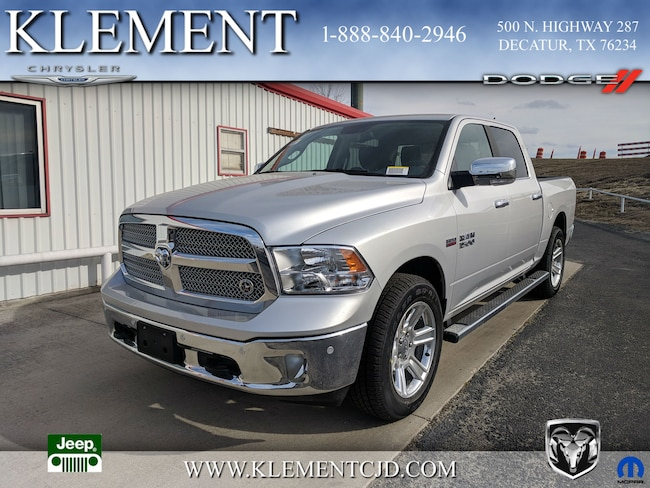 New 2018 Ram 1500 LONE STAR SILVER CREW CAB 4X2 5'7 BOX Crew Cab 1C6RR6LTXJS211046 Decatur