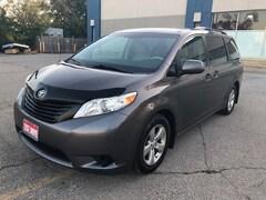 2014 Toyota Sienna 7 Passenger|Heated Mirrors|Accident Free| Minivan