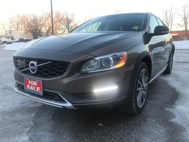 2015 Volvo V60 T5|AWD|Sunroof|Leather|Back Up Cam|Accident Free| Wagon