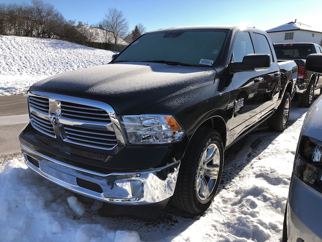 New 2019 Ram 1500 Classic SLT Truck Crew Cab Peterborough, ON
