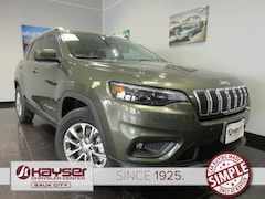 new 2019 Jeep Cherokee LATITUDE PLUS 4X4 Sport Utility for sale in Sauk City