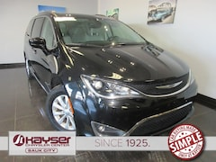 used 2018 Chrysler Pacifica Touring L Van for sale in Sauk City