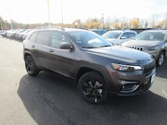 new 2019 Jeep Cherokee ALTITUDE 4X4 Sport Utility for sale in Sauk City