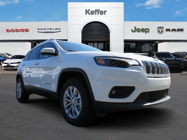New 2019 Jeep Cherokee LATITUDE 4X4 Sport Utility In Charlotte