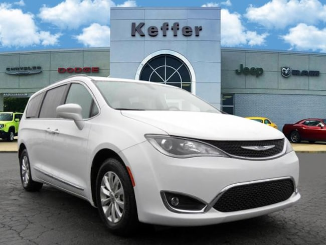 Used 2017 Chrysler Pacifica Touring-L Van In Charlotte