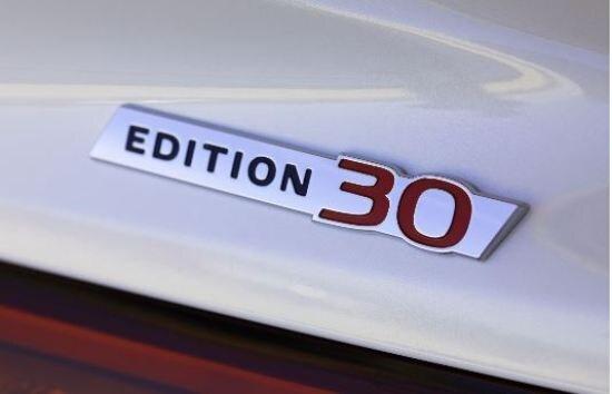550 × 354