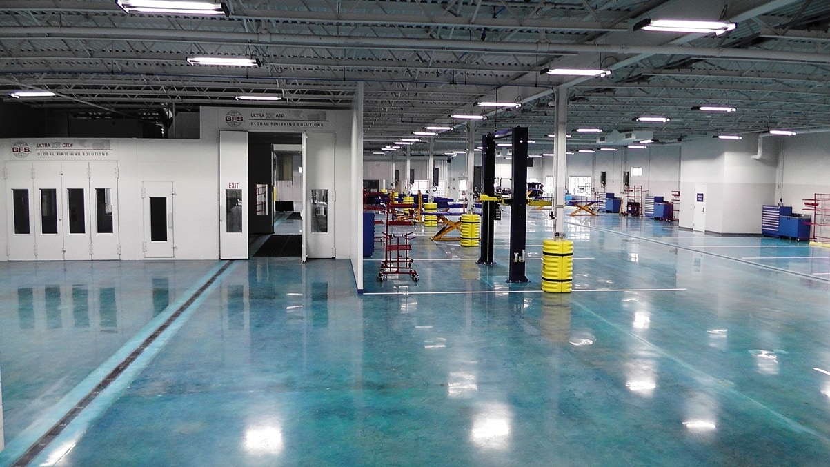 The State-Of-The-Art Kelly Auto Collision Center - Call 978-922-6771