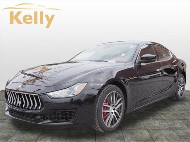 2019 Maserati Ghibli S Q4 3.0L Car