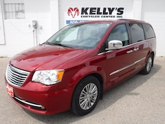 2014 Chrysler Town & Country Touring-L w/ Heated Leather/DVD/Stow-N-Go Van