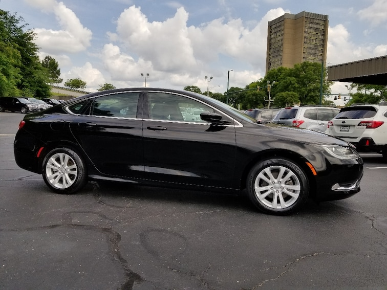 Used 2015 Chrysler 200 Limited Sedan for sale in Chattanooga, TN