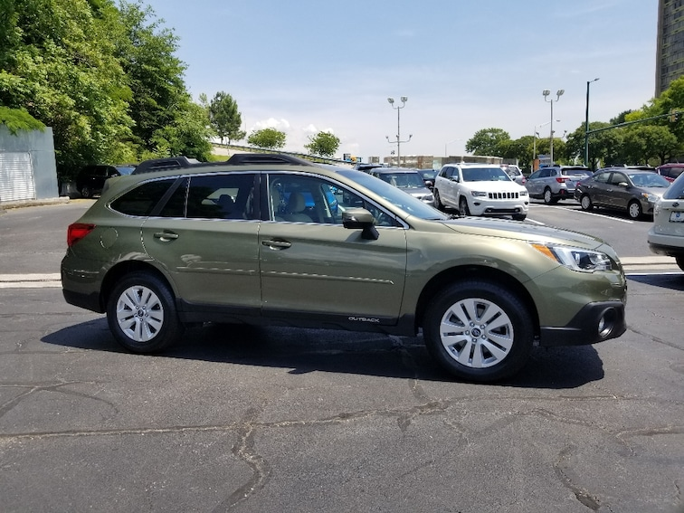 Used 2017 Subaru Outback 2.5i Premium with SUV for sale in Chattanooga, TN