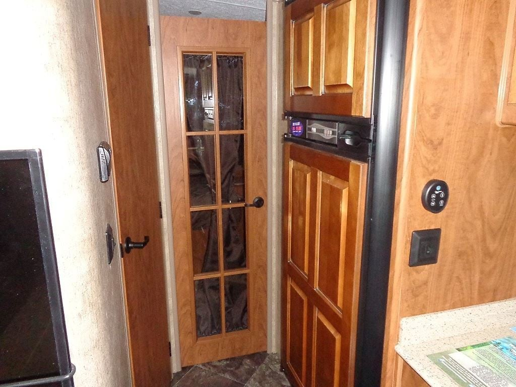 New 2016 Outdoors Rv Black Stone For Sale West Kelowna Bc