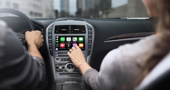 Lincoln SYNC3 System | Apple CarPlay & Android Auto Support