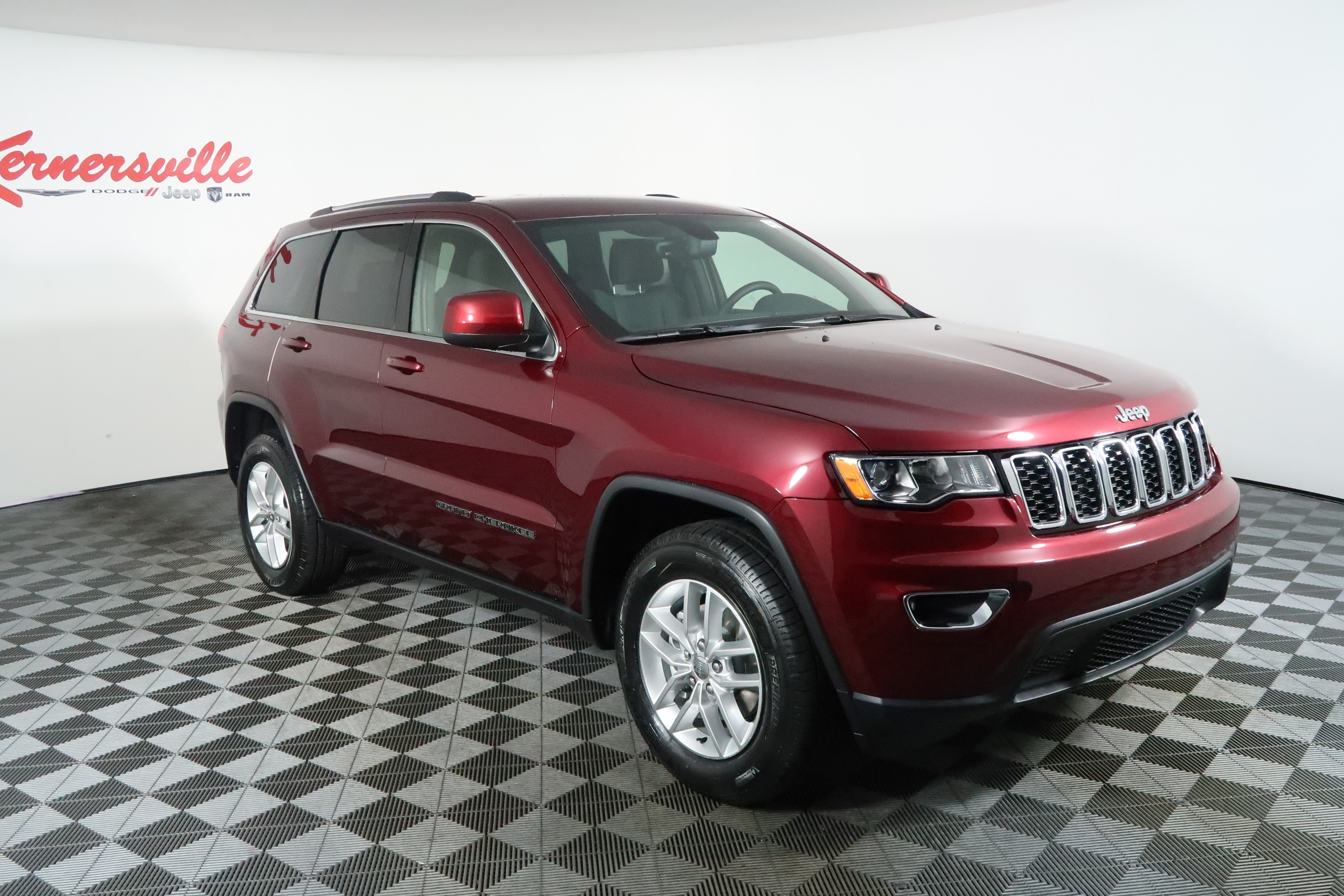 2019 jeep grand cherokee for sale in kernersville nc kernersville chrysler dodge jeep ram. Black Bedroom Furniture Sets. Home Design Ideas