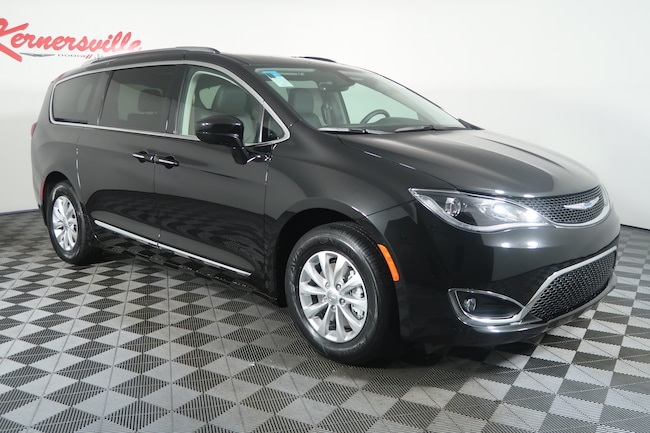 2019 Chrysler Pacifica Touring L Van
