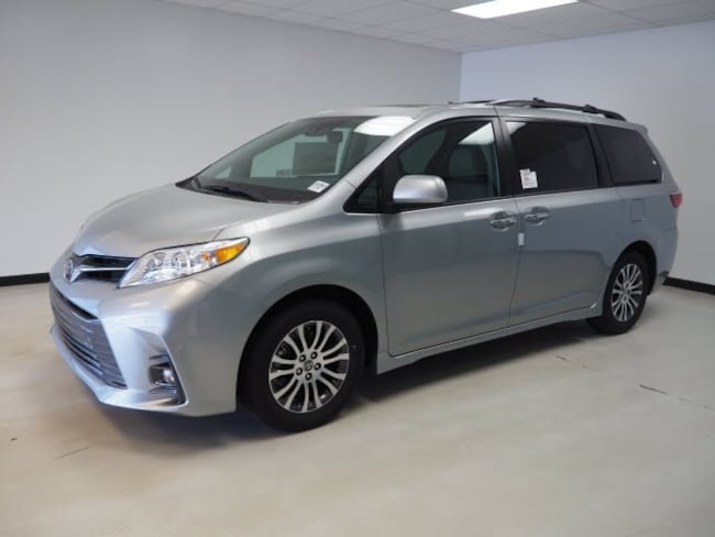 2020 Toyota Sienna XLE Premium 8 Passenger Van Passenger Van