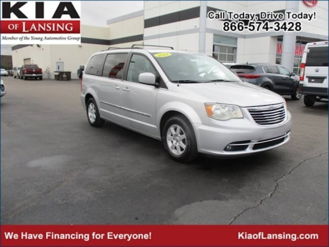 2012 Chrysler Town & Country Touring Video Van