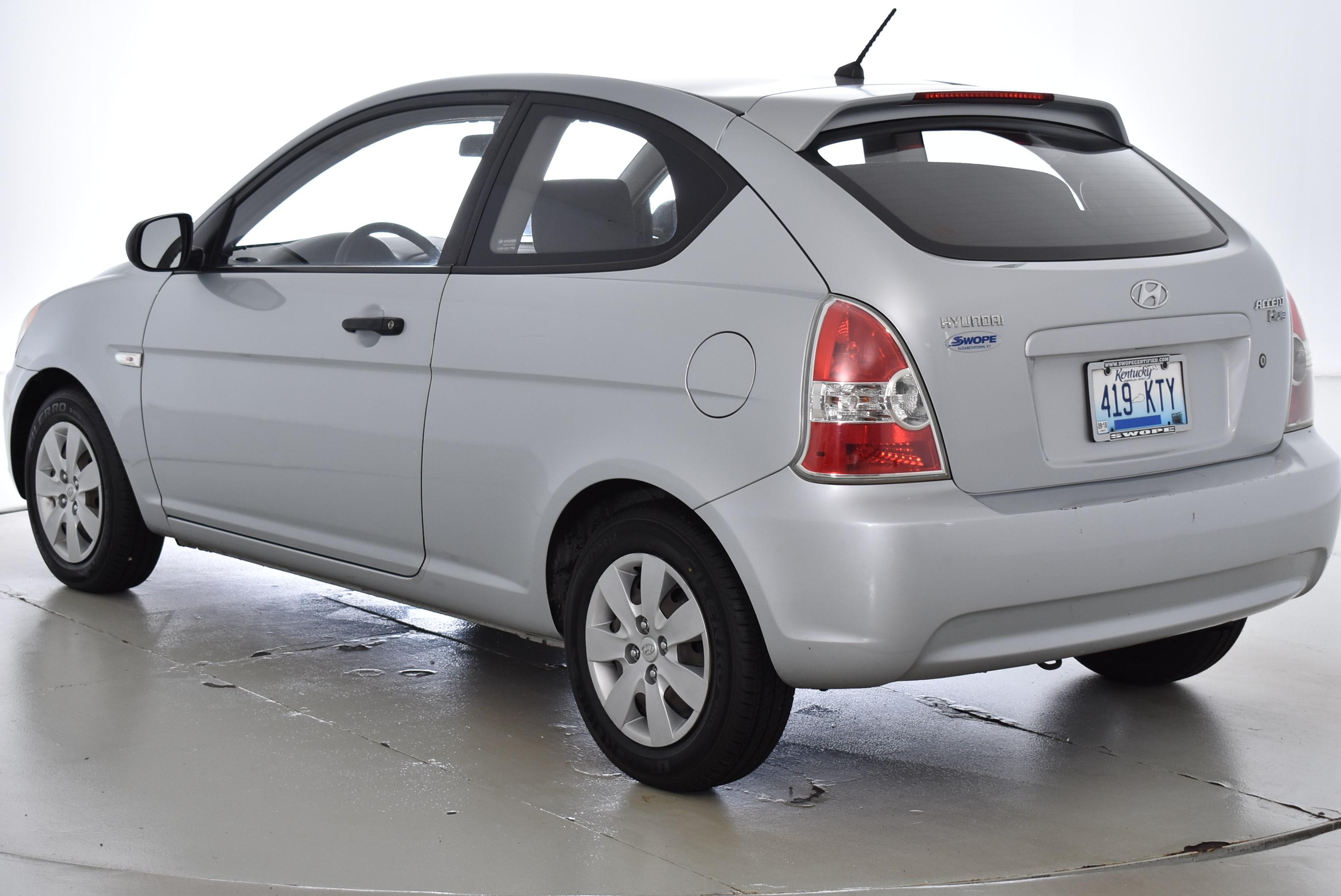 ... 2010 Hyundai Accent Hatchback ...
