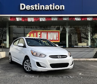 2017 Hyundai Accent ** Loaded w/Heated Seats,AC,Bluetooth + No Accidents !  Hatchback