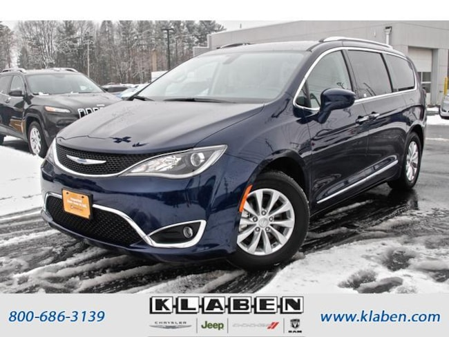 2018 Chrysler Pacifica Touring L FWD Minivan