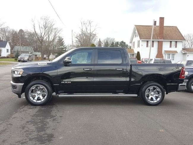 New 2019 Ram 1500 BIG HORN / LONE STAR CREW CAB 4X4 5'7 BOX Crew Cab For Sale/Lease Kent, OH