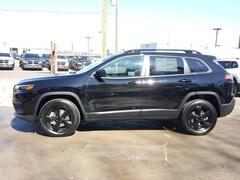 2019 Jeep Cherokee ALTITUDE 4X4 Sport Utility 1C4PJMLB9KD400537