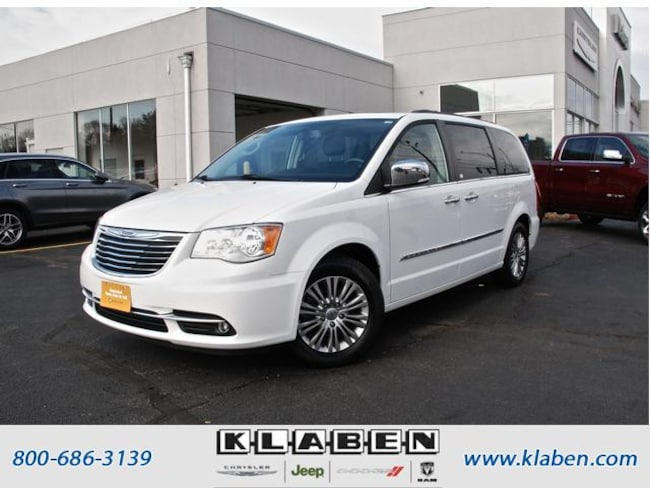 2016 Chrysler Town & Country Wgn Touring-L Anniversary Edition Minivan