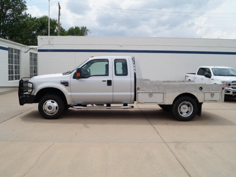 2008 Ford F-350 Chassis Cab Chassis Truck