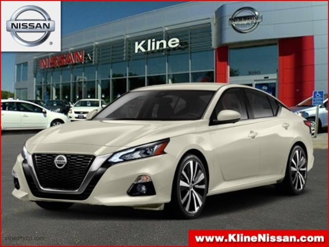 New 2019 Nissan Altima 2.5 Platinum Sedan in Maplewood, MN