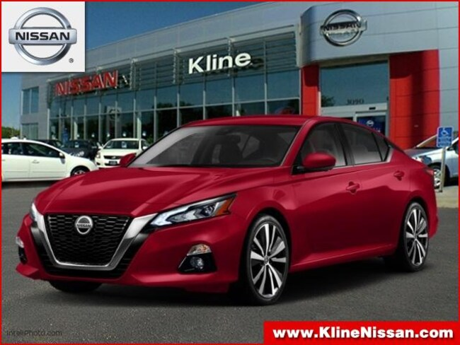 New 2019 Nissan Altima 2.5 Platinum Sedan in Maplewood, MN