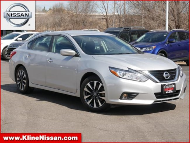 Used 2017 Nissan Altima 2.5 SV  4cyl Sedan in Maplewood, MN