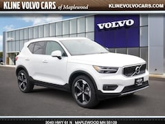 New 2019 Volvo XC40 T4 Inscription SUV near Minneapolis, MN