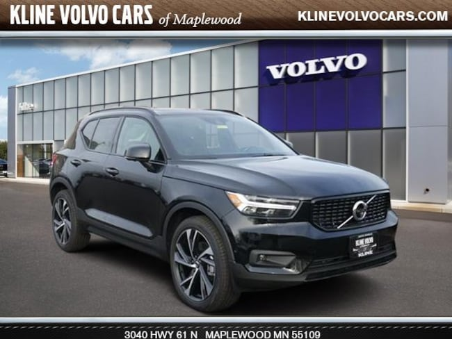 New 2019 Volvo XC40 T4 R-Design SUV in Maplewood, MN