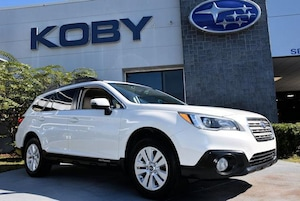 2015 Subaru Outback 2.5i Premium w/ Moonroof/Power Rear Gate