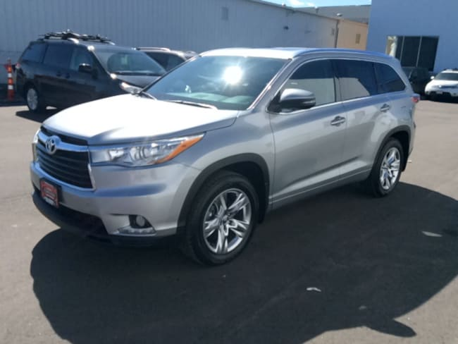 Certified Used 2016 Toyota Highlander Limited SUV in Appleton